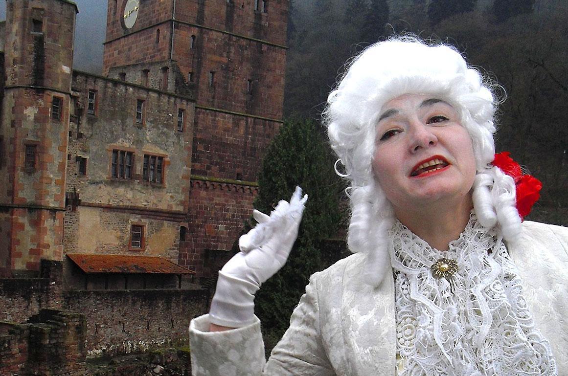 Oksana Braun, Schlossführerin in Heidelberg; Foto: Service Center Schloss Heidelberg