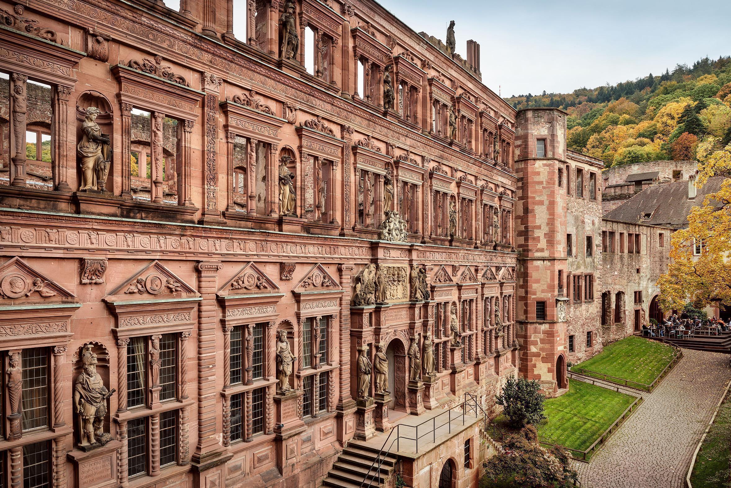 Vue de l'aile Ottheinrich du château de Heidelberg