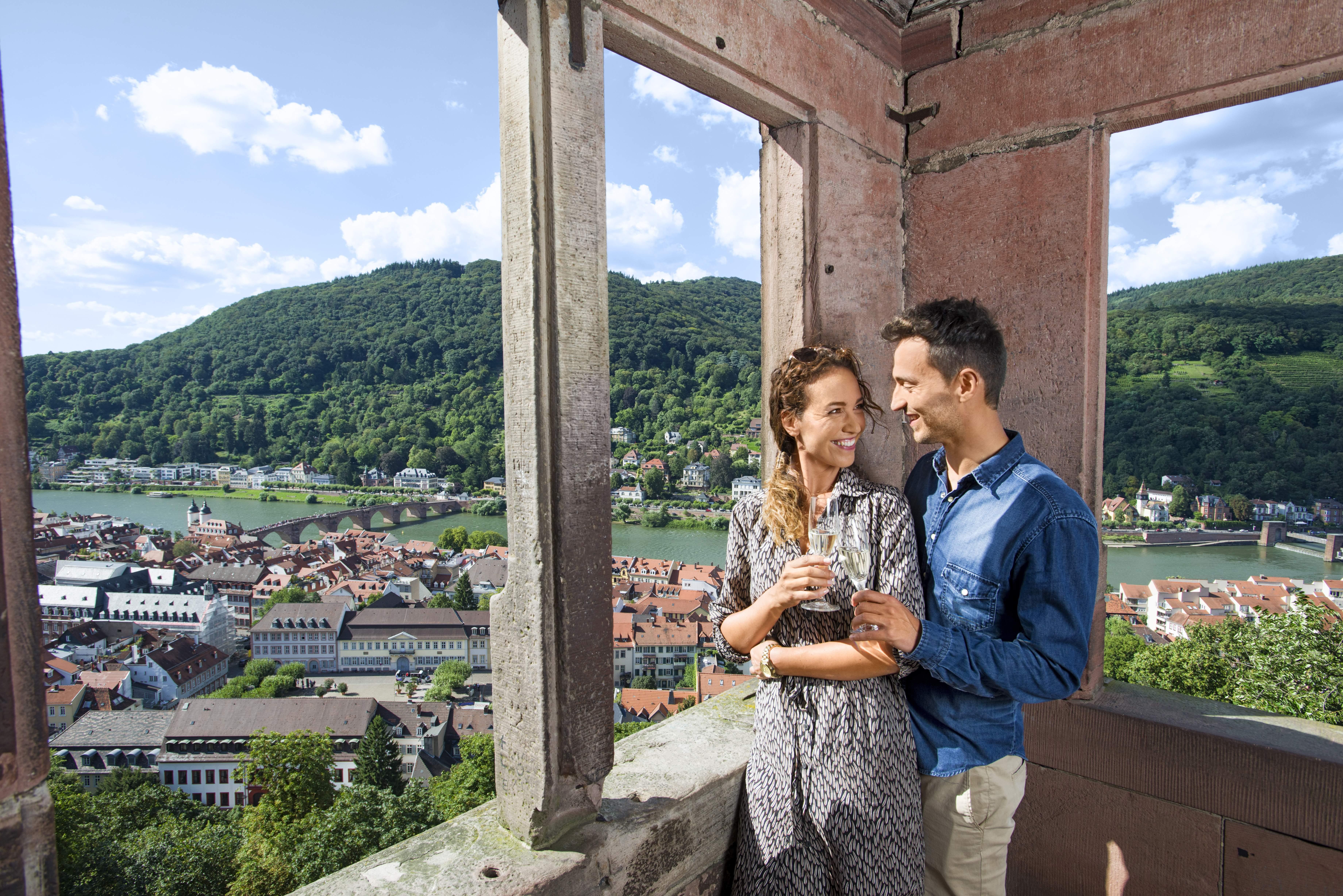 Besucher von Schloss Heidelberg; Foto: Staatliche Schlösser und Gärten Baden-Württemberg, Niels Schubert