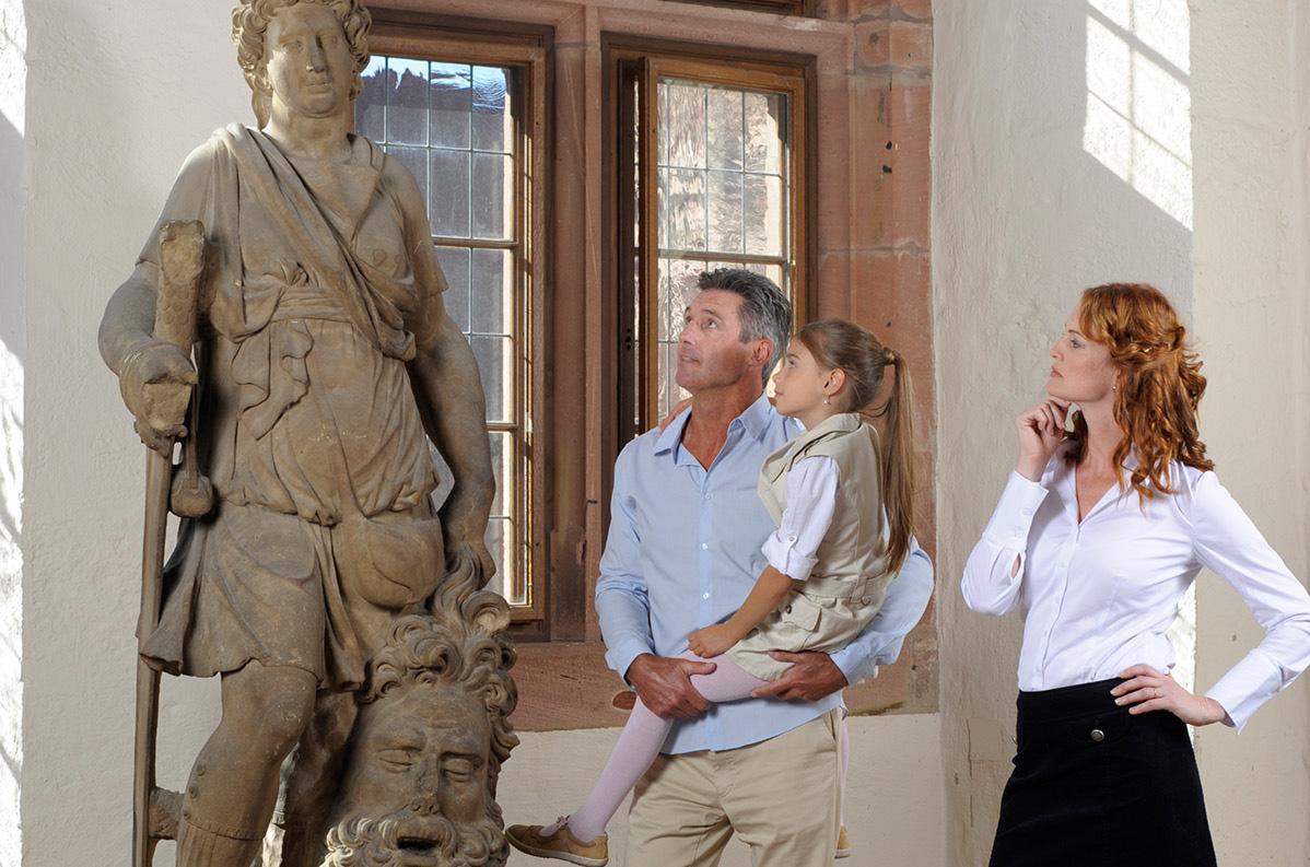 Heidelberg Palace, visitors in the palace, Château de Heidelberg, Visiteurs dans le château; l'image: Staatliche Schlösser und Gärten Baden-Württemberg, Niels Schubert
