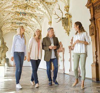 Château de Heidelberg, visiteurs dans le Friedrichsbau