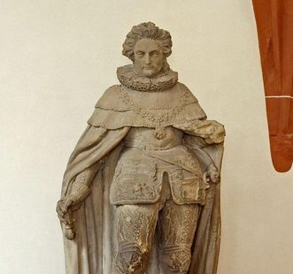 Figur Friedrichs V.; Foto: Staatliche Schlösser und Gärten Baden-Württemberg, Andrea Rachele