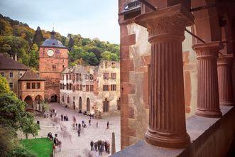 Ansicht des Schlosshofs von Schloss Heidelberg; Foto: Staatliche Schlösser und Gärten Baden-Württemberg, Günther Bayerl