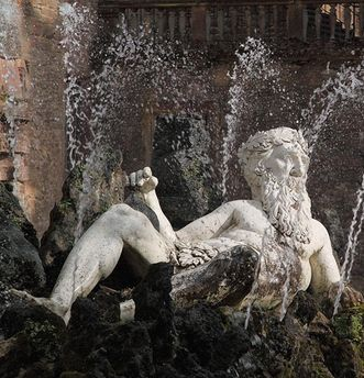 "Fountain with ""Father Rhine"" in the garden at Heidelberg Palace. Image: Staatliche Schlösser und Gärten Baden-Württemberg, Ursula Wetzel"